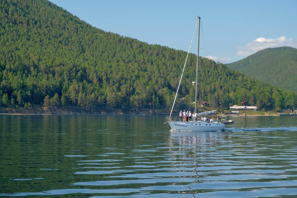 baikal-sailing1