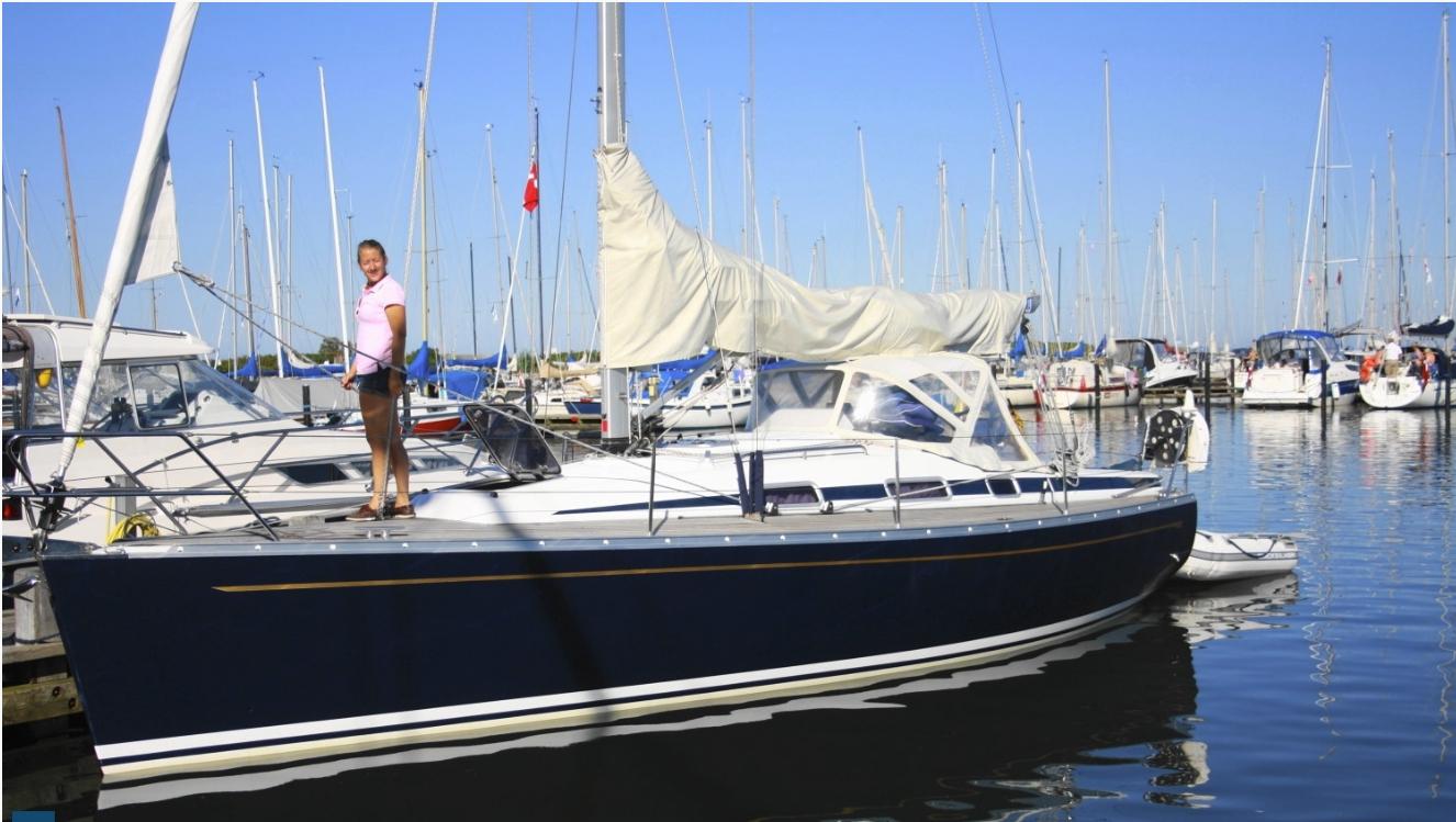 вид снаружи яхта Solsting Grand Soleil 34.1
