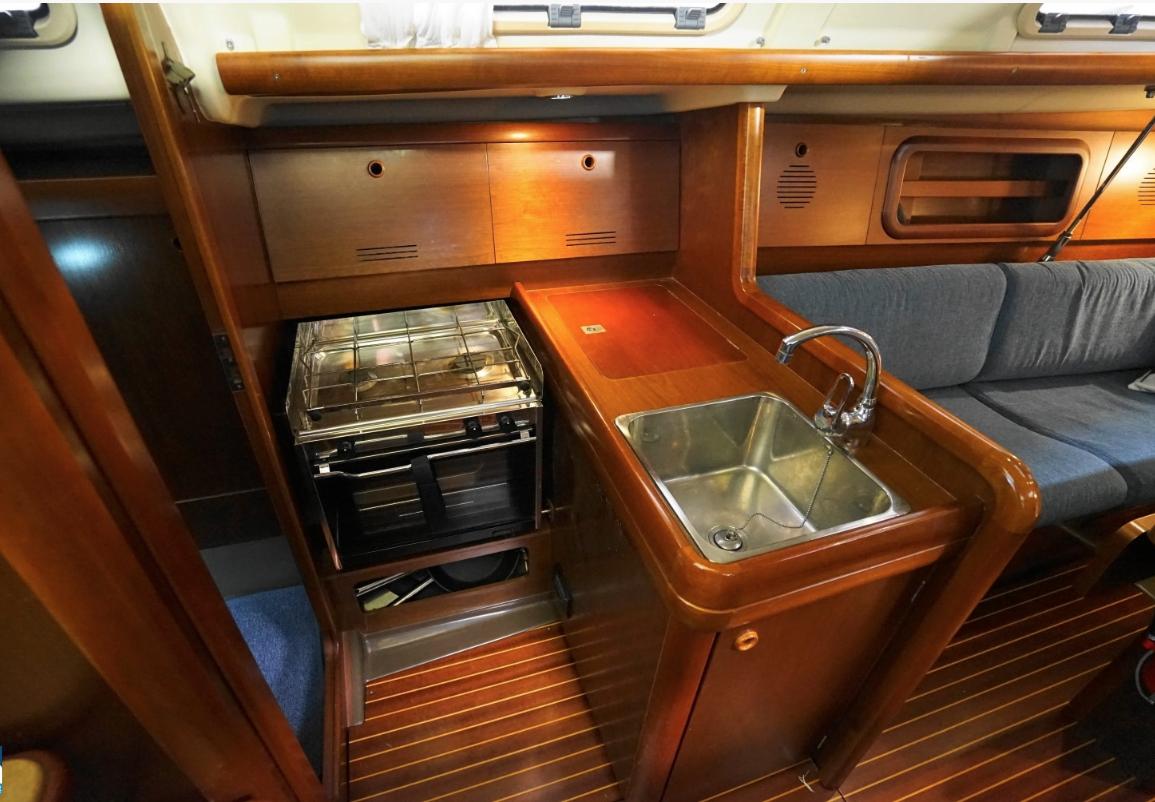камбуз яхта Solsting Grand Soleil 34.1