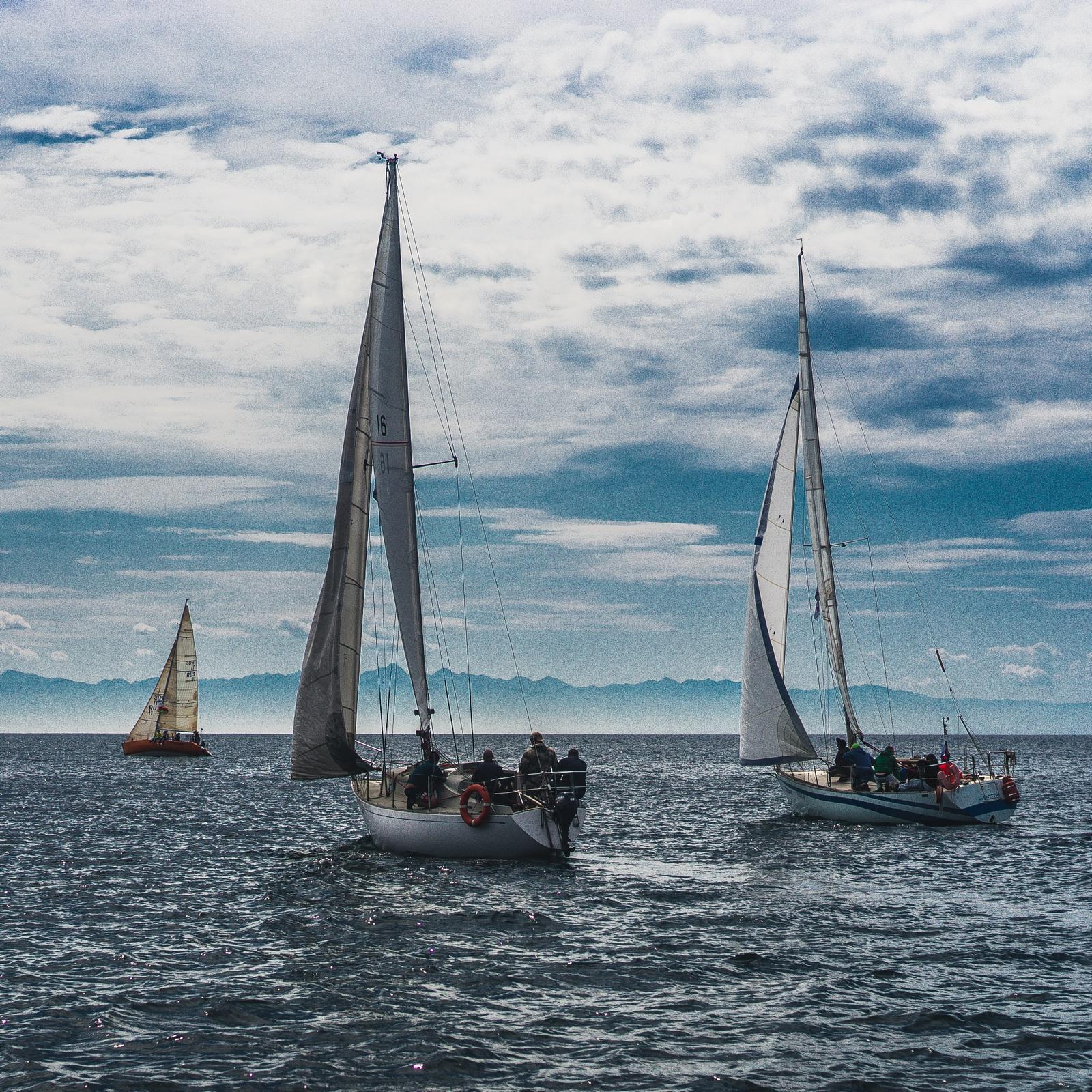 яхты в гонке байкал